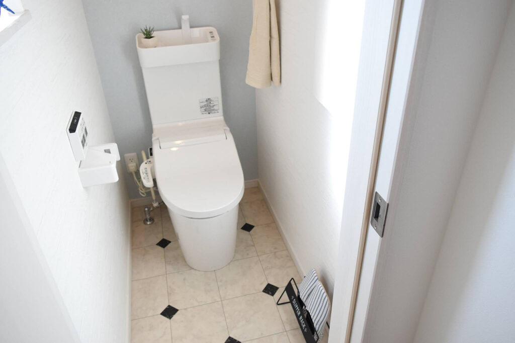 最新のパナソニックトイレを設置