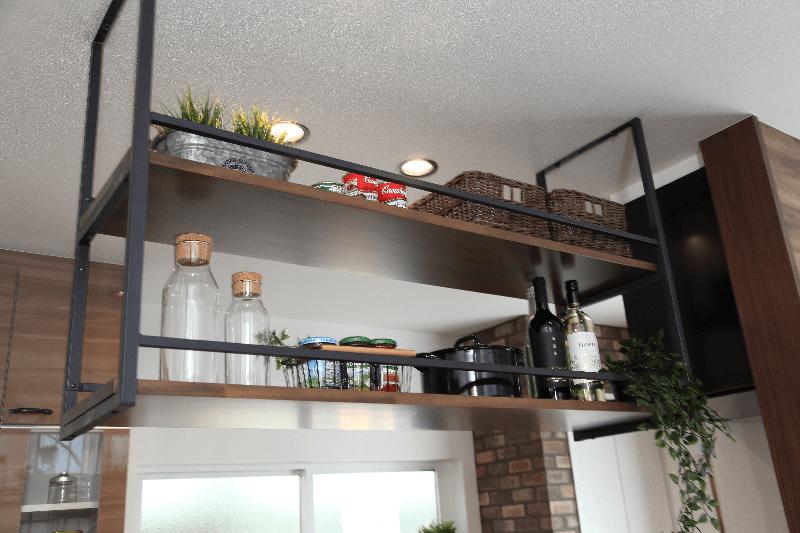 作り付けのキッチン収納
